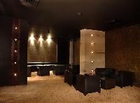 Decibel Nightclub, Hotel Samrat